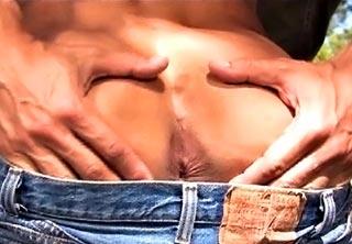 Un, deux, trois lascars bien chauds des fesses