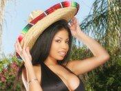 Havana la Latina à gros nichons se fait péter la rondelle