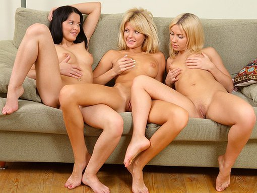 Deux blondes, une brune trois sodobilits