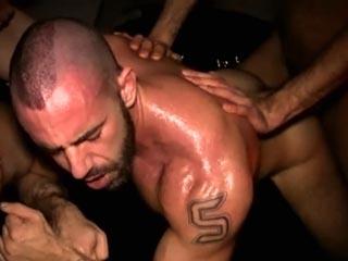 Gangbang para Jorge Ballantinos