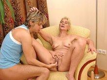 Mamie blondie se fait déboiter sévère