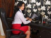 Sandra la secrétaire de l'érection