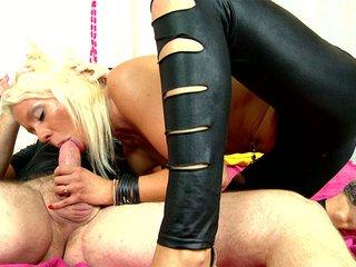 Video porno Louana enculée à la 1er personne devant sa webcam