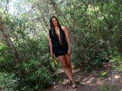 Triolisme d'une salope bourrée dans un bois espagnole