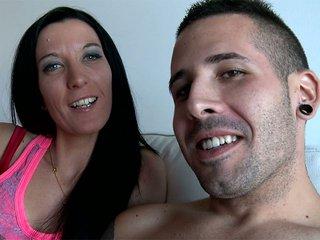 Video porno 2 Françaises, 1 Espagnol, 6 possibilités