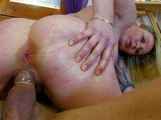 Video porno Blonde fatale prof de piano tronchée par une grosse teub