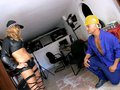 video de sexe Truelle dans le fion d'une flic