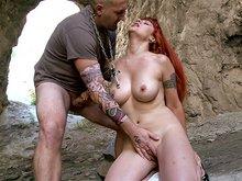 2 couples tatou�s, 1 grotte tagu�e, plein de possibilit�s