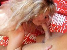 Deux latinos dérouillent une chaudasse de la vulve