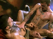 sexe Trois bad boys s'enculent à la chaine