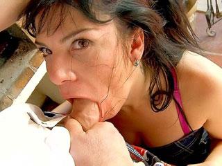 Sandra Canaria : Mature dépravée veut se faire baiser 4