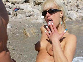 Elle prend sa gicl�e sur un rocher