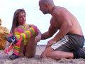 Eva Lange fait du porn fitness sur le sable - Vid�o incroyable o� la sublime �va Lange fait du fitness sur la plage avec Bryan son entraineur sportif qui va la baiser dans des positions incroyables. Une seule chose � dire apr�s avoir vu cet entrainement sexuel: vive le sport, vive le sexe et vive la plage !