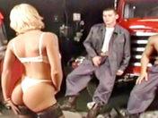 Une salope chez les pompiers