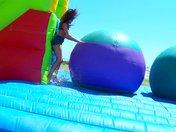 Gala di svuota palle in spiaggia