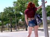 Films Adulte gratuit Lili la rouquine auto-stoppeuse qu'on enfile dans les bois