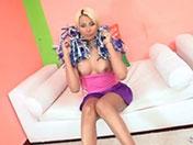 Sheina joue les pom-pom girls