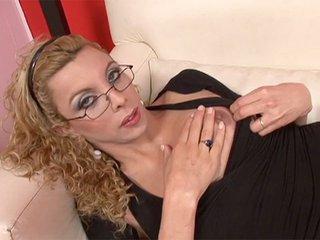 Miranda la Trans à lunette