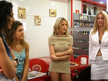 4 working girls se bouffent la quiche