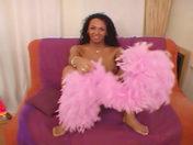 ¡Jade es una verdadera transexual con una polla enorme !!! video sexo
