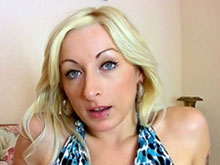 Sylvie Castro aime t�ter du goulot