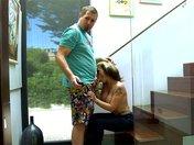 Gina la MILF tatuata dalle grandi tette prova la sua nuova villa