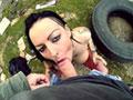 video de sexe Elle pisse un coup et se fait baiser comme une chienne
