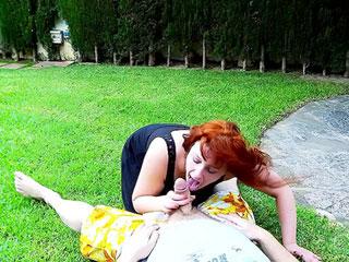 Rouquine pulpeuse se fait baiser à la dure