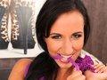porno video Terra fait péter son chemisier pourpre à froufrou sexe gratuit