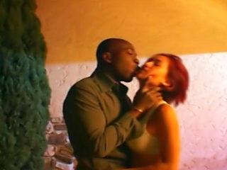 Téléchargement de Scène de baise sauvage pour Joaquim Kessef et K-Sandra