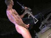 Fusil ou maglite dans le cul ?