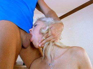 porno Gratuit Teena la blondinette ang�lique qu'on encule avec le sourire