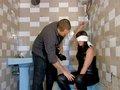 clip Lorena la nympho en captivité se fait troncher dans une salle de bain