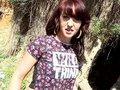 Nora adore se faire ramoner à l'entrée d'un bois