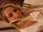 Tigra la blonde nympho qu'on baise par tous les trous