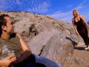 Didi la blonde dodu se fait déboiter le derche sur la plage