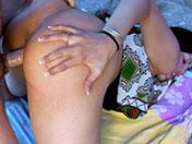 Flopée de sperme pour asiate grassouillette