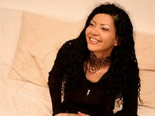Valeria la brésilienne qu'on tringle sur canapé