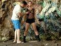 porno video Julia Gomez en mode Lara Croft offre ses trous à un gamer sexe gratuit