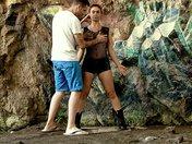 Julia Gomez en mode Lara Croft offre ses trous à un gamer