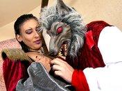 Halloween porn : Terry Garous déboite la rondelle du Chaperon Rouge