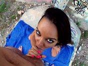 Sodo street art d'une brunette latina
