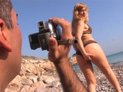 Martina la MILF exhibitionniste qu'on culbute sur une serviette de plage