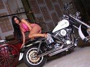 Films Porno gratuit Astrid la stripteaseuse � la moto