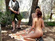 2 cochonnes à sodomiser dans la nature