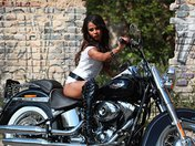 Telecharger video xxx : Isabella sur sa grosse Harley