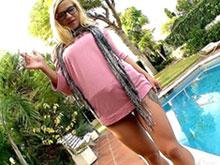 Blondasses ultra chaudes se gavent de foutre