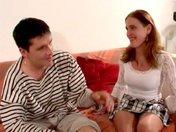 Valérie et Tom s'emboitent sur le canap