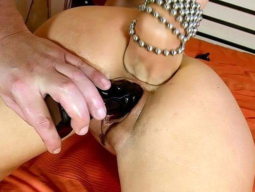 Mature perverse se fist l'anus