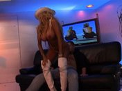 Strip of a voluptuous blonde that ends up with a sex session
